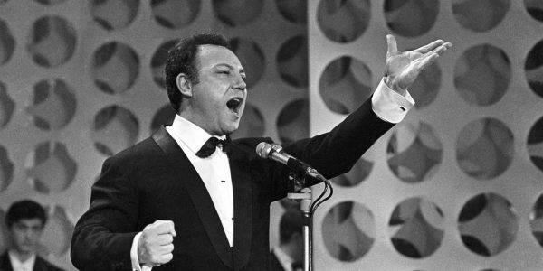 Claudio Villa è stato uno dei più grandi protagonisti delle prime edizioni di Sanremo. Ha vinto 4 volte il Festival e fu il primo a vincere da esordiente.