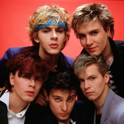 I Duran Duran, furono tra i super ospiti dell'edizionedell'85 di Sanremo.Accaddero scene di isteria collettiva e svenimenti che non si vedevano, in Italia, dai tempi dei Beatles.