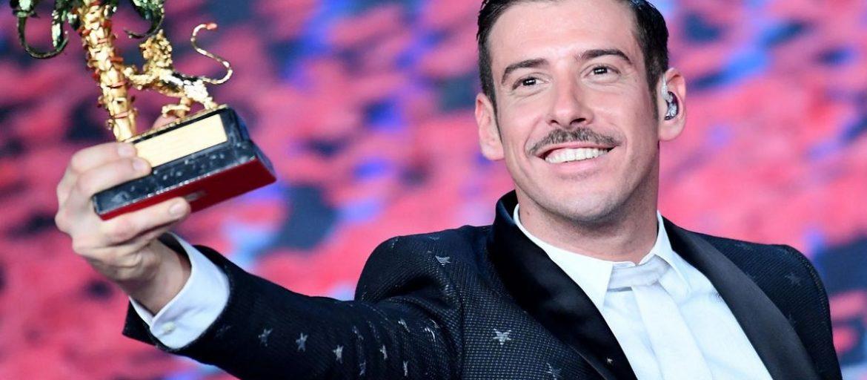 Francesco Gabbani inizia la sua attività musicale già in tenera età. E' l'unico artista sanremese ad aver vinto, consecutivamente, in entrambe le categorie.