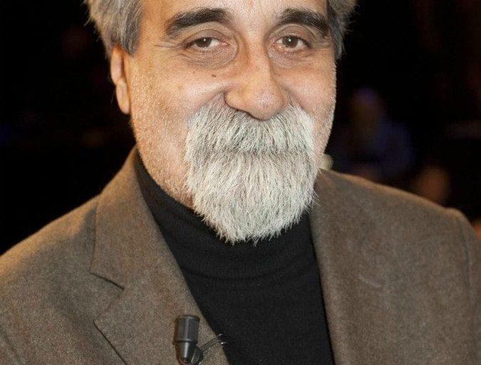 Beppe Vessicchio è una presenza fissa al Festival di Sanremo dal 1990. Ha ricevuto il premio come miglior arrangiatore nel '94, nel '97, nel '98.