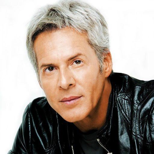 Claudio Baglioni è stato direttore artistico e presentatore delle edizioni 2018 e 2019 di Sanremo. Il cantautore non ha mai partecipato al Festival come cantante in gara.